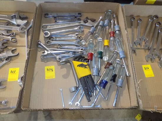 Box w/Large Group of Standard Wrences, Snap On Standard Gear Wrenches, Nut