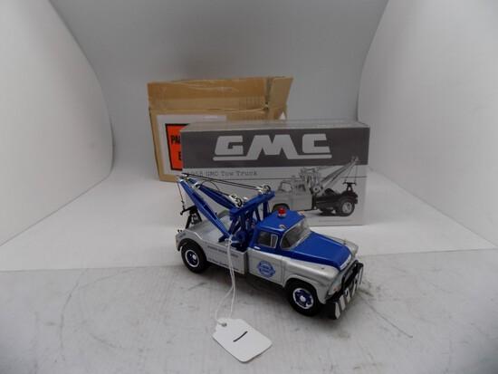 1st Gear 1958 GMC Tow Truck, 1:34 Scale, (Chevrolet Wrecker Service)