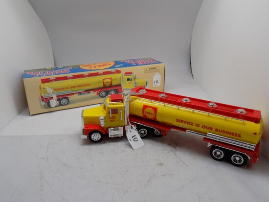 Shell Oil Company Tractor Trailer by Taylor Made Trucks,1:32 Scale Plastic