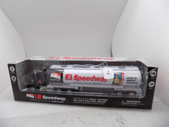 1st Gear Limited Edition Mack Anthem Day Cab & Fuel Tanker, Plastic Toy ''S
