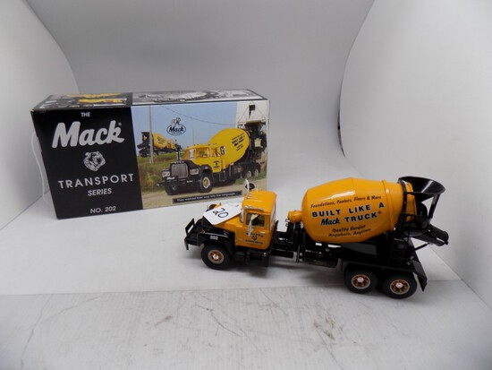 The Mack Transport Series No 202 Model R600 Mixer, ''Bulldog Concrete'', 1: