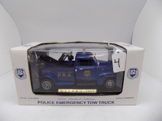 2002 Limited Edition Police Emergency Tow Truck #2 in a Series. 1:24 Scale