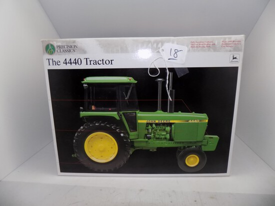 Precision Classics ''The 4440 Tractor'' in 1/16 Scale by Ertl, Box in Fair