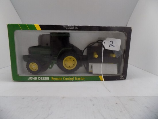 John Deere Remote Control Tractor in 1/32 Scale By Ertl, #5724 (9)
