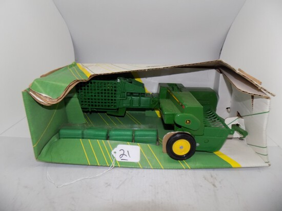 John Deere 348 Square Baler in 1/16 Scale by Ertl, Box in Poor Condition