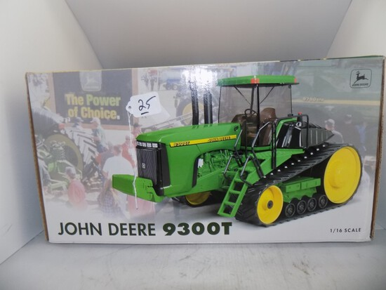 John Deere 9300T in 1/16 Scale by Ertle, ''2000 Farm Show,'' Second in a Se