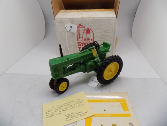 John Deere 520 Narrow Front Plastic Model in 1/16 Scale by Standi, w/Decals