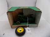 John Deere 1941-1946 Model LA Tractor in 1/16 Scale by Spec Cast - Back Whe