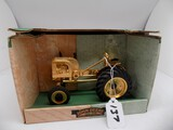John Deere 1941-1946 Model LA Tractor in 1/16 Scale by Spec Cast