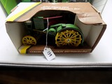 John Deere 195 Waterloo Boy Model ''R'' in 1/16 Scale by Ertl, Collectors E
