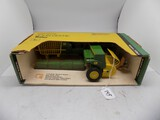 John Deere Square Baler in 1/16 Scale by Ertl, #585