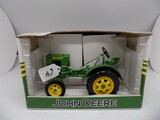 John Deere Model 62 Tractor in 1/16 Scale by Spec Cast