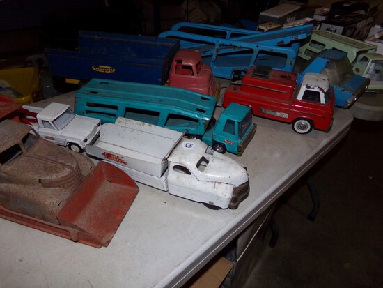 Antique & Collectible Toy Truck Auction