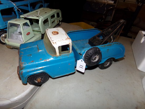 Buddy L Blue Tow Truck With White Top, 14 1/2'' Long