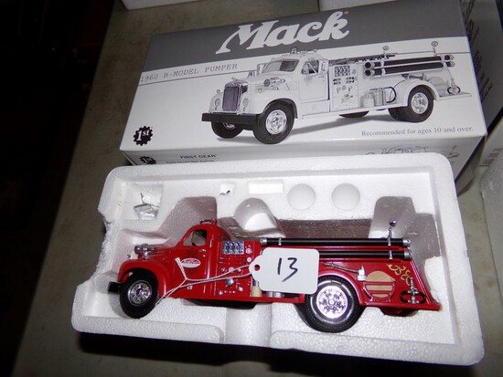 1st Gear Mack ''Tonka Toys'' 1960 Model B-61 Pumper Truck With Box, 1:34 Sc