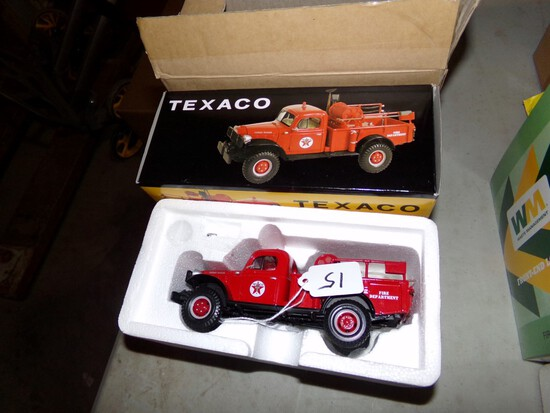 1st Gear ''Texaco'' Dodge PowerWagon, 1:30 Scale, With Box and Shipping Box
