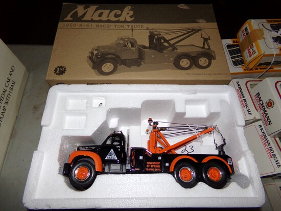 1st Gear Mack Model B-61 Tow Truck in 1:34 Scale, ''Township of Spring'' Ve
