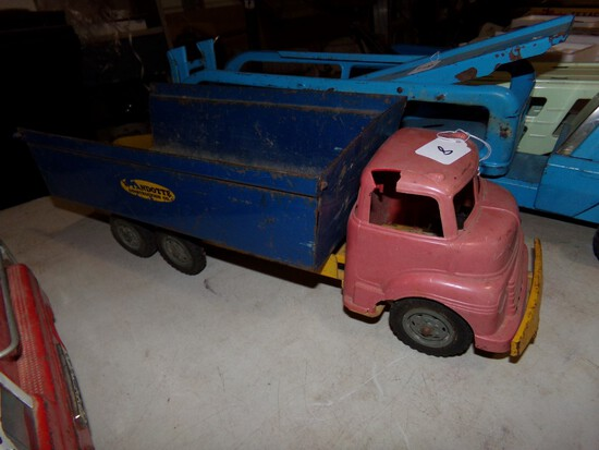 Wyandotte Tin and Plastic Dump Truck, Some Damage To Top Of Plastic Cab, 19