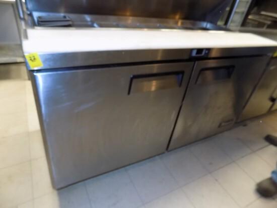 Migoli Sandwich Unit w/ Bottom Swing Doors Cooler w/ Top Dr., 60'' Wide x 3