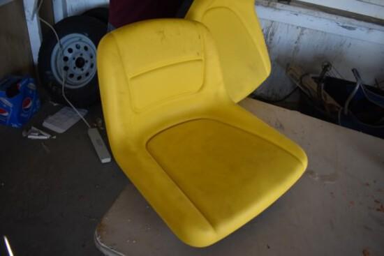 Lawnmower Seat  (5891)