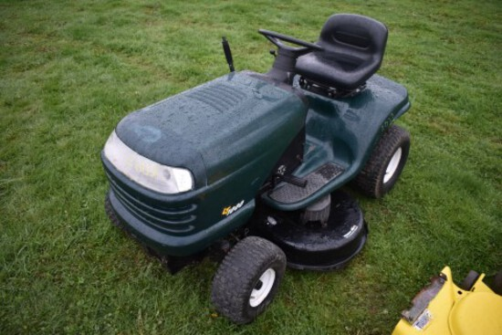 Craftsman LT1000 Light Use Riding Mower w/42'' Deck  (7510)