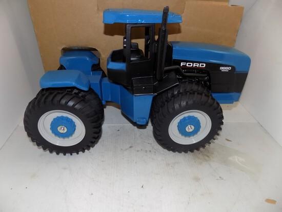 Antique / Collectible Farm Toy Auction