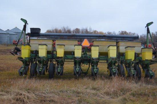 John Deere 7200 No Till Planter