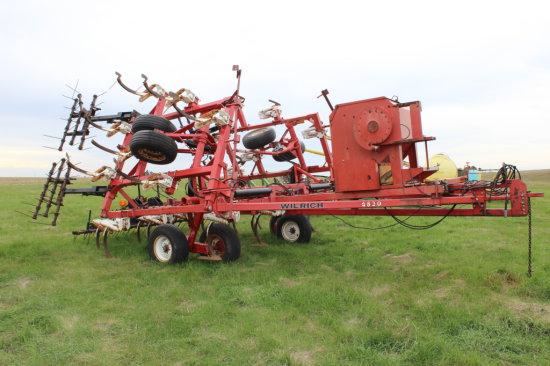 Wilrich 4830 Chisel plow, 30ft, w/3 bar harrow