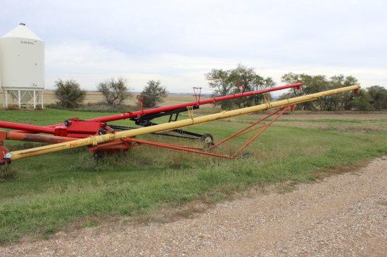 Westfield MK 100-61 Auger with Swing Hopper
