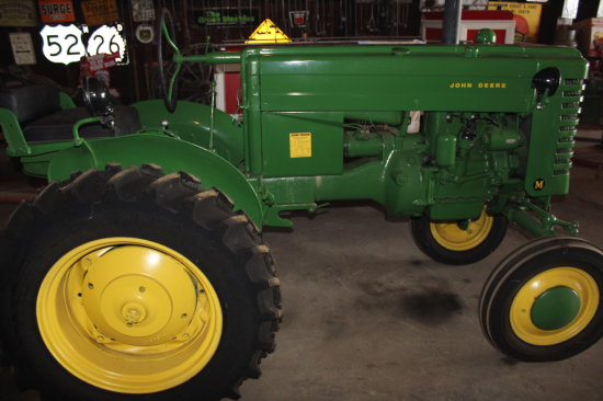 JD M Tractor