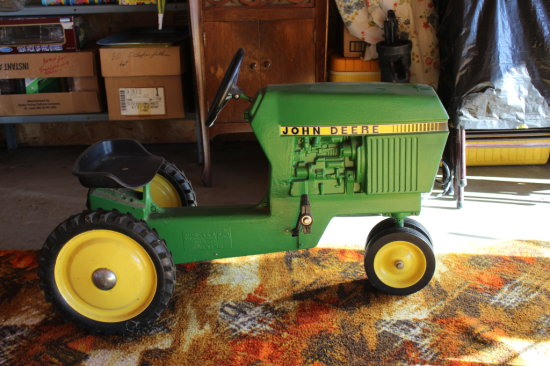 JD Antique Cast Riding Tractor
