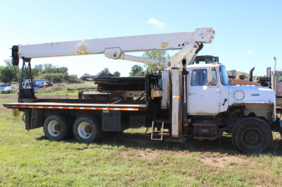 1990 Ford L9000 Convention Truck