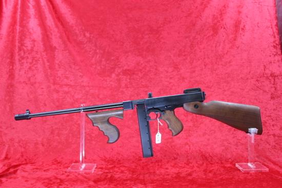 AO Thompson - Tommy Gun 1927 A-1