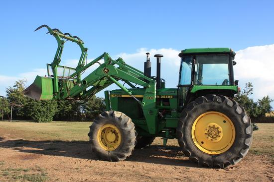 1992 John Deere 4255A Tractor