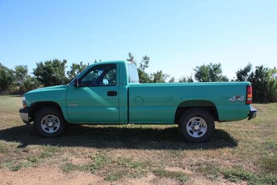 2002 Chev 1500 Pickup