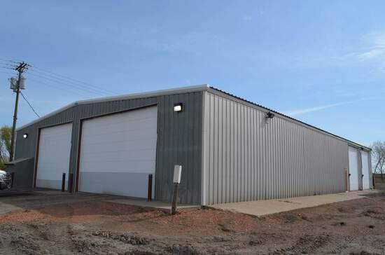 Building 3 Euclid Barn (4109) 70'x110'