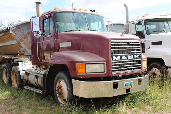 1998 Mack CH613 Semi Day Cab