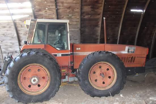 1981 IH 3788, 2+2 Tractor