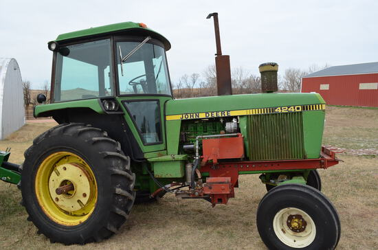 1979 JD 4240 2WD Tractor