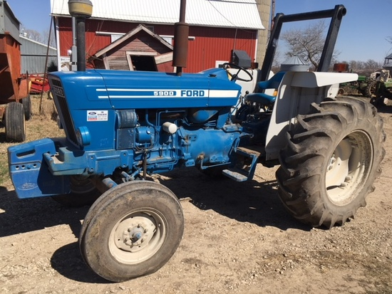1988 Ford 5900 diesel tractor