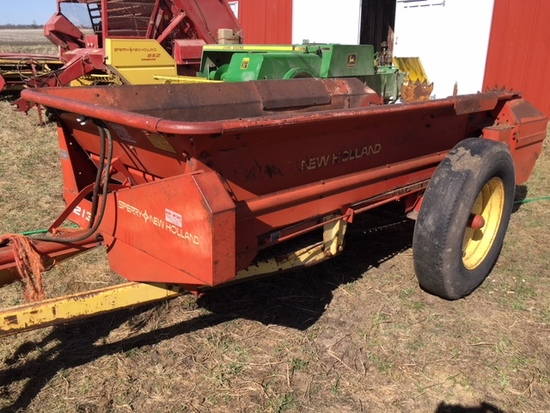 New Holland 213 single axle spreader S.#604838 w/hyd. endgate.