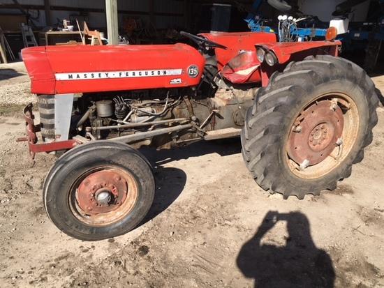 1967 Massey Ferguson 135 gas utility tractor