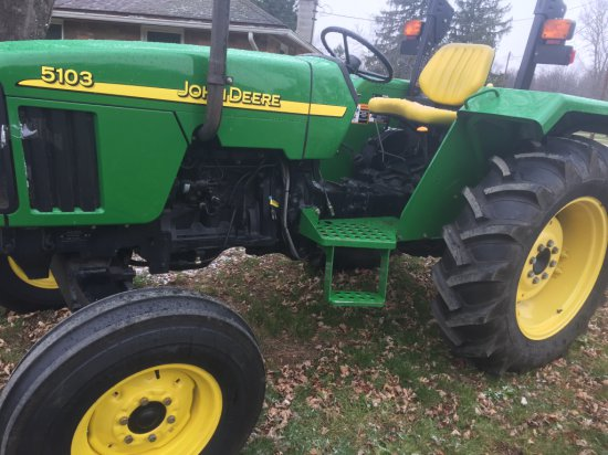 JD 5103 utility tractor