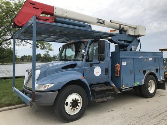 2004 IH 4300 4x2 Truck with Terex HR 46M Hi-Ranger