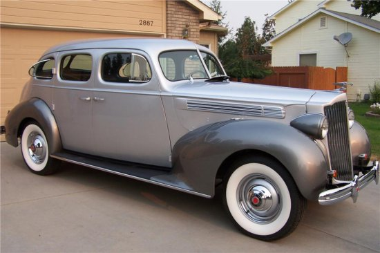1938 PACKARD 1601 4-DOOR TOURING SEDAN
