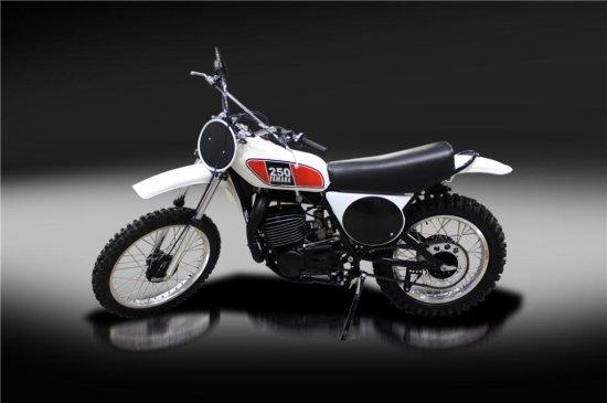 1975 YAMAHA MX250 DIRT BIKE