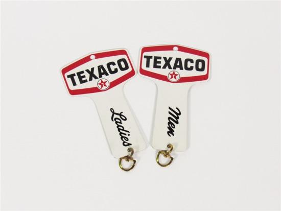 EARLY 1960S TEXACO MEN-LADIES REST ROOMS METAL KEY FOBS