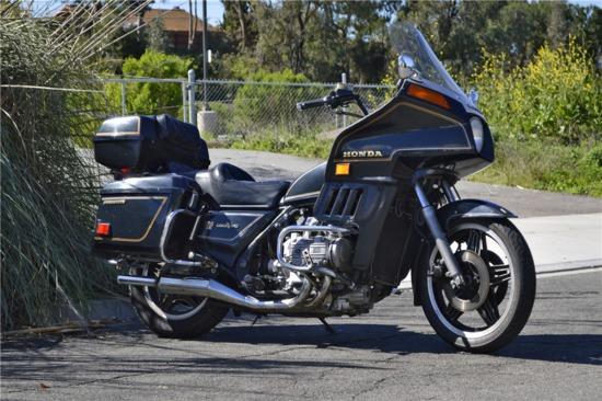 1981 HONDA GOLD WING GL1100 MOTORCYCLE