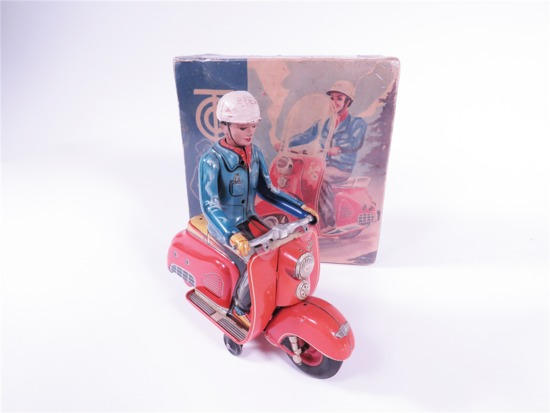 LARGE LATE 1950S TIN LITHO SCOOTER WITH DRIVER