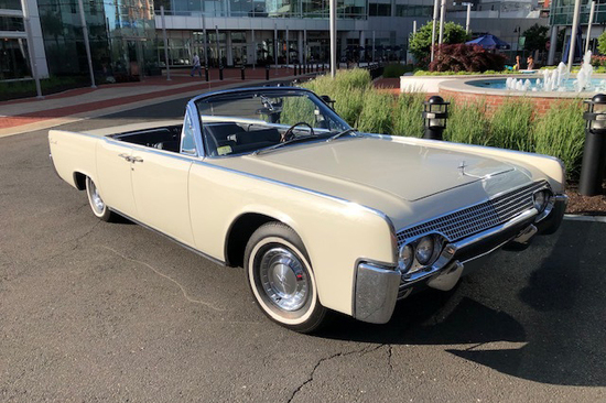 1961 LINCOLN CONTINENTAL 4-DOOR CONVERTIBLE
